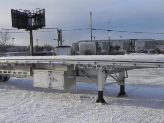 flatbed trailers canada
