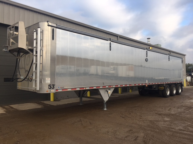Pneumatic Dry Bulk Trailers at Kingpin